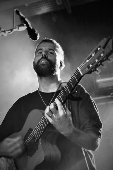 Nick Mulvey, Exeter, 2/10/17 (photo © Sync Music Blog)