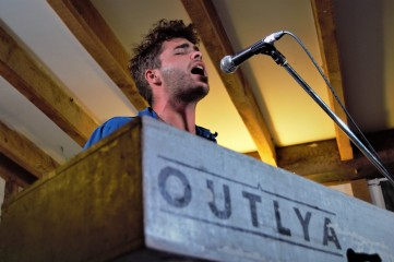 OUTLYA, Sidmouth Fringe 2018 (photo © Martin Allen for Sync)