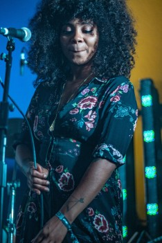 Hollie Cook, Neverworld 2018 (photo © Linda Brindley)